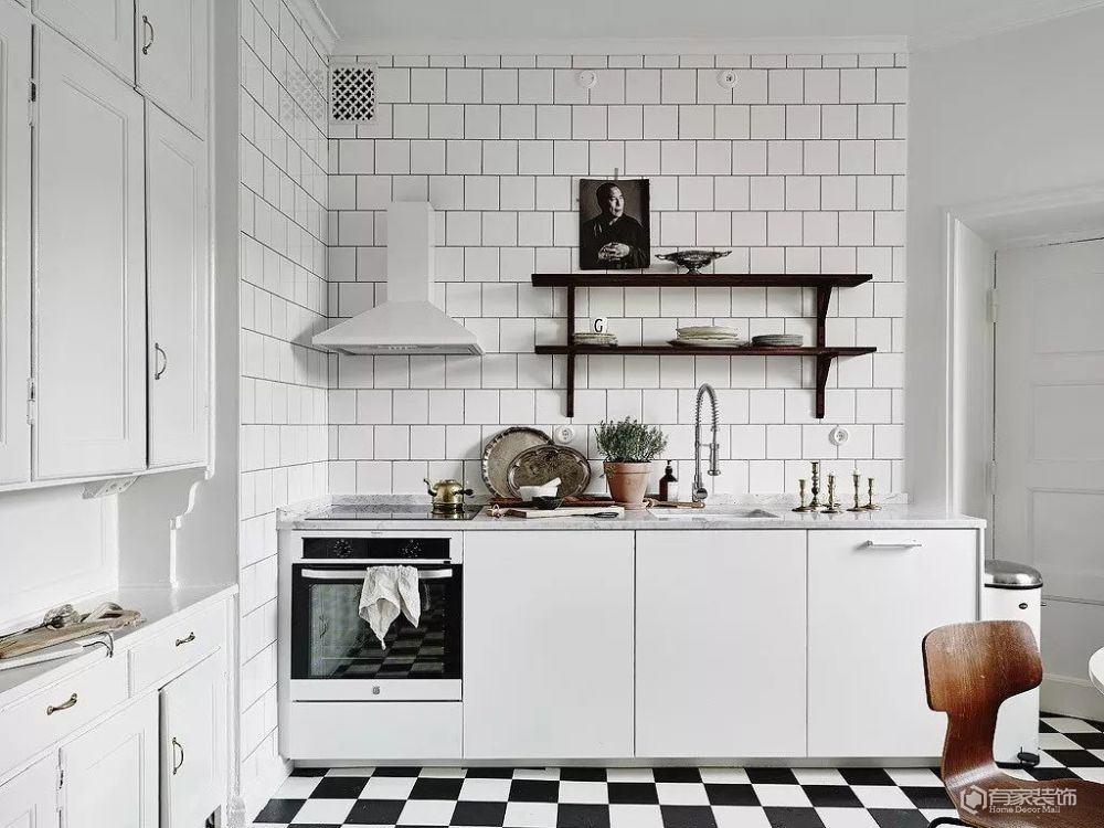 廚房裝修怎么搭配顏色 這樣做讓其增添色彩